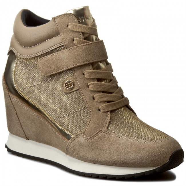 34ad6e2d5ad Sneakersy TOMMY HILFIGER - Running Wedge 1C1 FW56821691 Taupe Gold ...