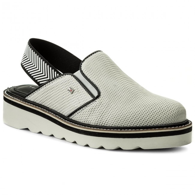 2893612a79e Sandály TOMMY HILFIGER - Sporty Perf SLip On FW0FW02727 Whisper White 121