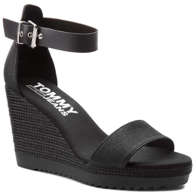 beb66c528e130 Espadrilky TOMMY JEANS - Sporty Denim Wedge Sandal EN0EN00194 Black 990
