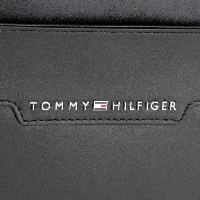 a692539a0 Brašna na notebook TOMMY HILFIGER - Smooth Leather Computer Bag AM0AM02635  002